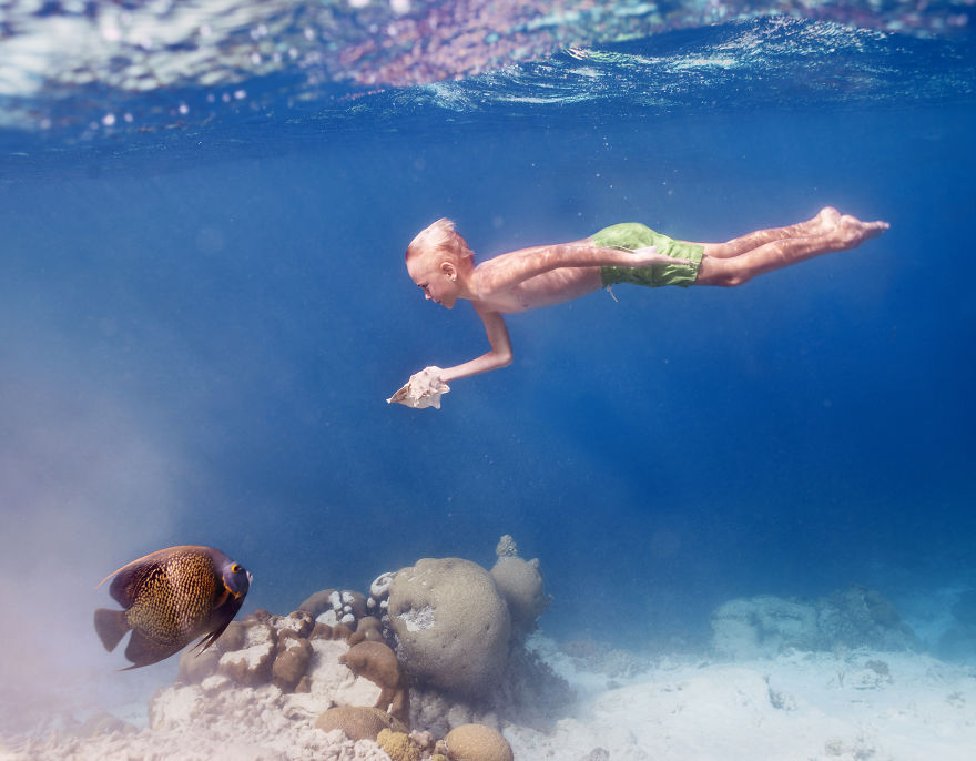 i travelled to bonaire island and photographed local children underwater 14 880